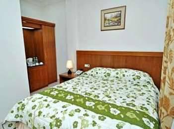 Havilla Maranatha Hotel Padang - Basic Regular Plan