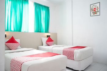 OYO 1253 Hotel Wisata Jambi - Standard Twin Room Regular Plan