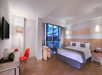 Neo+ Kuta Legian - Deluxe Room with Breakfast Regular Plan