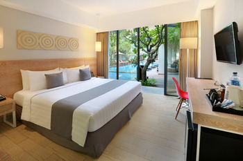 Neo+ Kuta Legian - Deluxe Pool Access Room Regular Plan