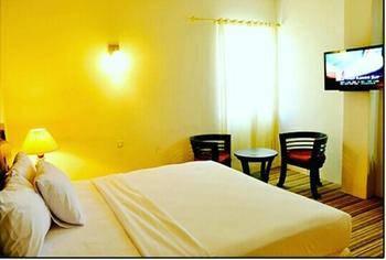 Grand Putri Wisata Hotel Kendari - Deluxe Room Regular Plan