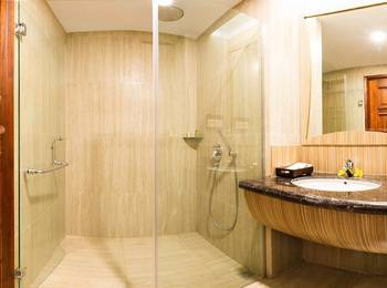 KJ Hotel Yogyakarta Yogyakarta - Family Suite Room include Laundry for 5 pcs Weekdays Promotion