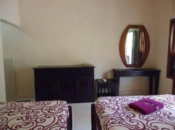 Belong Bunter Homestay Two Bali - Standard Twin Regular Plan