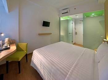 Whiz Prime Megamas Manado - Standard Double  Room Only Regular Plan