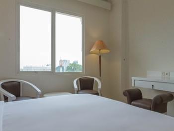 Vue Palace Hotel Bandung - Deluxe Queen Regular Plan