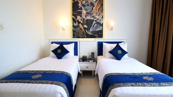 Vue Palace Hotel Bandung - Deluxe Twin Room Breakfast Basic Deal 50%
