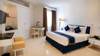 Vue Palace Hotel Bandung - Junior Suite Room Only Basic Deal 50%