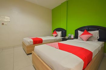 Capital O 988 Hotel Kapuas Dharma 2 Pontianak - Standard Twin Room Regular Plan