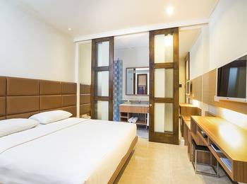 Alron Hotel Kuta - Family Room Basic Deal