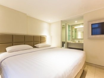 Alron Hotel Kuta - Family Room Only  Limited Time Deal