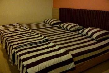 Hotel Pantes Pecinan Semarang Semarang - Family 3 Bed Room Only Regular Plan