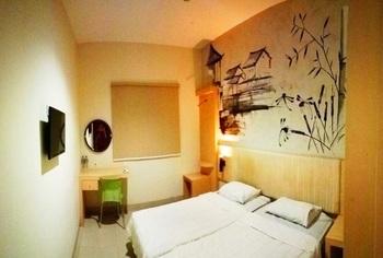 Hotel Pantes Pecinan Semarang Semarang - Deluxe 2 Bed Room Only Regular Plan