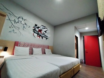 Hotel Pantes Pecinan Semarang Semarang - Family 3 Bed Room Only Regular Plan