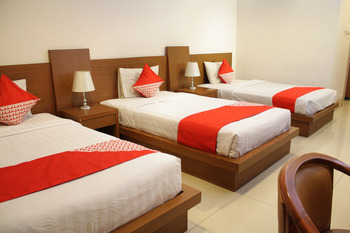 OYO 186 Bintang Jadayat 1 Bogor - Suite Triple Early Bird 41%