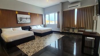 Sans Hotel Empress Simpang Lima Semarang - Family Room 24H Deal