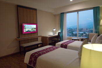 Grand Sunshine Resort & Convention Bandung - Deluxe Room 2 Day Deal Sunshine