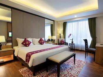 Grand Sunshine Resort & Convention Bandung - Suite Room Regular Plan