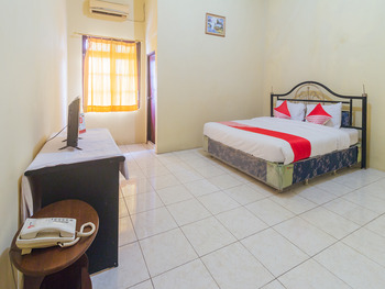 OYO 2269 Hotel Astika Ambon - Deluxe Double Room Promotion