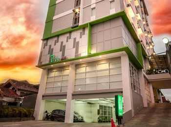 Tree Hotel Makassar