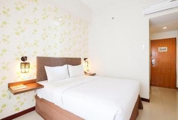 Tree Hotel Makassar - Studio 19 Double Room Breakfast Regular Plan