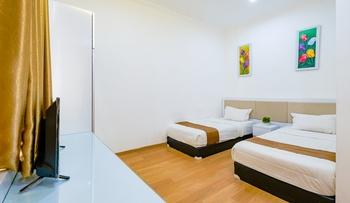 Royal Homy Syariah Yogyakarta - Deluxe Twin Room Only Regular Plan