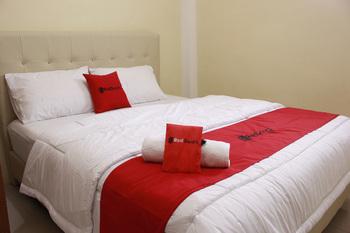 RedDoorz @ Cisaga Ciamis - RedDoorz Room Regular Plan