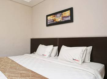 RedDoorz @Ngurah Rai Sanur Bali - RedDoorz Room Special Promo Gajian