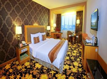 Grand Rocky Hotel Bukittinggi - Deluxe King Room Only Regular Plan