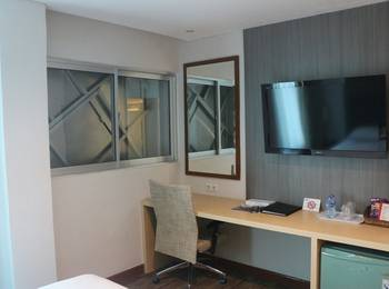 Hotel Melawai Jakarta - Superior King Room with Breakfast WEEKEND DEAL