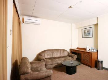 Hotel Melawai Jakarta - Suite King Room with Breakfast PAY LESS FOR 3 NIGHTS