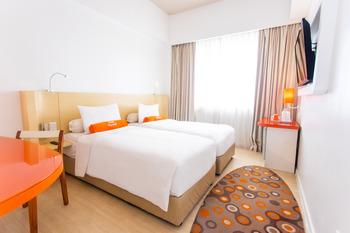 HARRIS Hotel Pontianak Pontianak - HARRIS Simple Twin Bed with Breakfast 2 Pax HOT DEAL HSRP RB