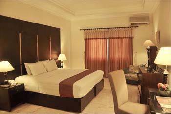 Royal Tretes View Pasuruan - Deluxe Room Special Deals