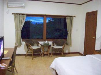 Wisma Joglo Hotel Bandung - Kamar Deluxe - A Regular Plan