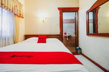 RedDoorz @ Cibogo Puncak Bogor Puncak - RedDoorz Room Basic Deal