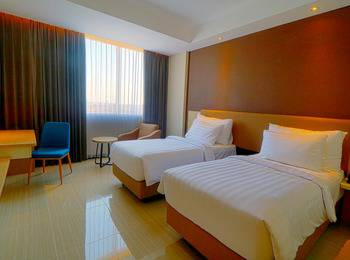 Hotel Dafam Pacific Caesar Surabaya - Deluxe Room Only Regular Plan