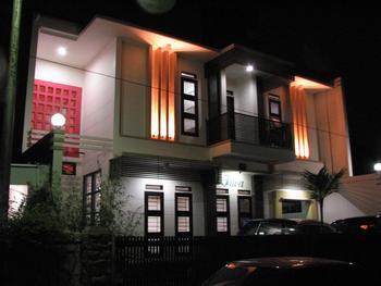 Rumah Tawa Guesthouse 1