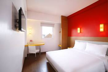 Hotel Amaris Cilegon - Smart Room Queen Promotion  Regular Plan
