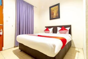OYO 1364 Pondok Wisata Istana XI Medan - Standard Double Room Regular Plan