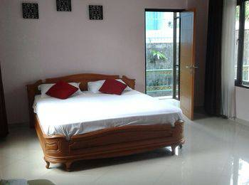 Palagan Joglo Residence Boutique Guest House Bandung - Standard Queen With Breakfast Regular Plan