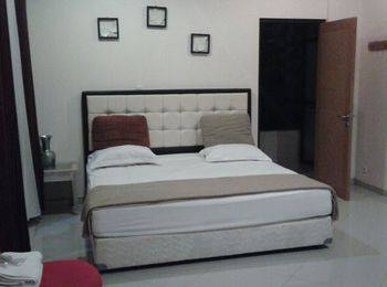 Palagan Joglo Residence Boutique Guest House Bandung - Standard King With Breakfast Regular Plan