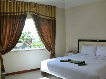 Ion Hotel Padang - Junior Suite Room - King Size Bed Regular Plan