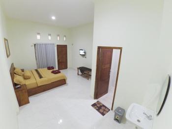 New Chez Felix Manggarai Barat - Superior Double Room Breakfast FC MS2N 30%