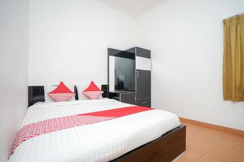 OYO 445 Lavender Homestay Palembang - Deluxe Double Room Regular Plan