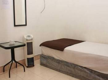 Unique Guest House Bandung - Single Standard Fan - Share Bathroom Two Night Promotion