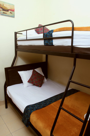 Unique Guest House Bandung - Bunk Bed  Superior Room Only Regular Plan