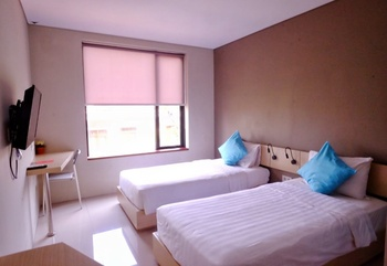 Wanadu Residence Tangerang - Deluxe Twin Room Regular Plan