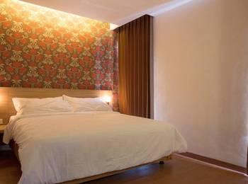 DeMira Hotel Surabaya - Studio Plus with Breakfast Regular Plan