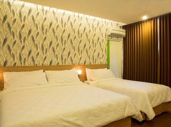 DeMira Hotel Surabaya - Splendid 3 with Breakfast Regular Plan