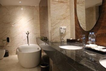 Swiss-Belhotel Harbour Bay Batam - President Suite with Breakfast Regular Plan