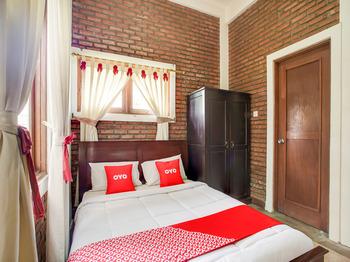 OYO 3896 Villa Pesona Wisata Puncak Cianjur - Family Suite Villa Last Minute Deal